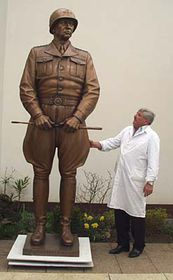 Socha generála Pattona aJaroslav Brocker, foto: Autor