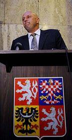 Ministr zdravotnictví Tomáš Julínek na mimořádné tiskové konferenci krozhodčímu nálezu vkauze Diag Human, foto: ČTK