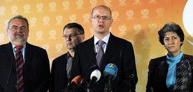 Bohuslav Sobotka (en el centro), foto: ČTK