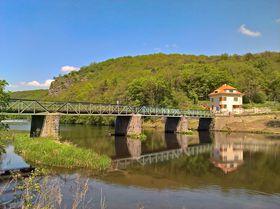 Grenzbrücke über die Thaya (Foto: BuschBohne, Wikimedia Commons, CC0 1.0)