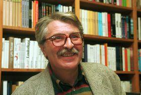 Básník Antonín Brousek (na archivním snímku z30. března 1995), foto: ČTK