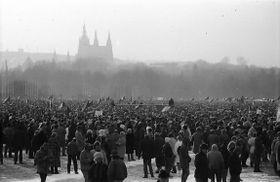 Demo auf der Letná-Anhöhe (Foto: Dušan Bouška, Archiv des Tschechischen Rundfunks)