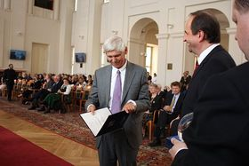 Gert Weisskirchen und Außenminister Jan Kohout (Foto: Barbora Kmentová)