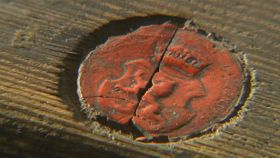 The seal on one of the boxes, photo: Czech Television