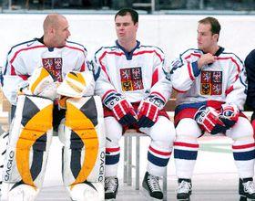 Jugadores de la selección checa de hockey sobre hielo acaparan las portadas de los diarios checos, foto: CTK