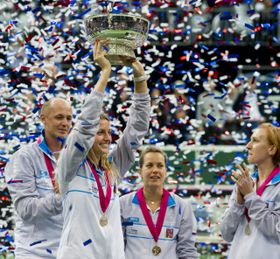 Petra Kvitová con la Copa Federación, foto: ČTK