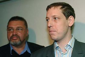 Stanislav Gross apředseda královéhradeckého výkonného výboru ČSSD Evžen Snítilý (vlevo), foto: ČTK