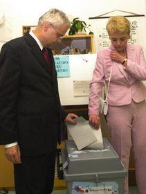 Владимир Шпидла и его супруга Виктория (Фото: ЧТК)