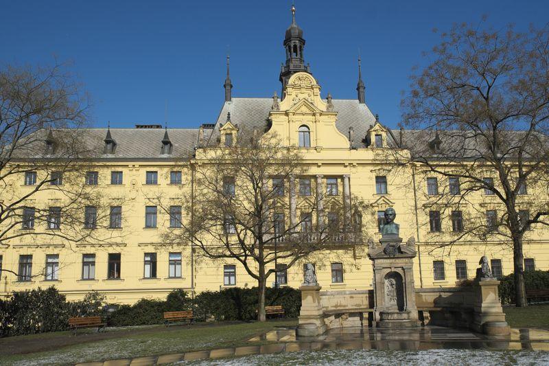 Stadtgerichtsgebäude (Foto: GFreihalter, Wikimedia Commons, CC BY-SA 3.0)