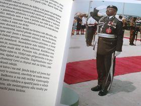 Le père d'Obonete S. Ubam, photo: repro, Obonete S. Ubam, Sedm let v Africe / Prostor