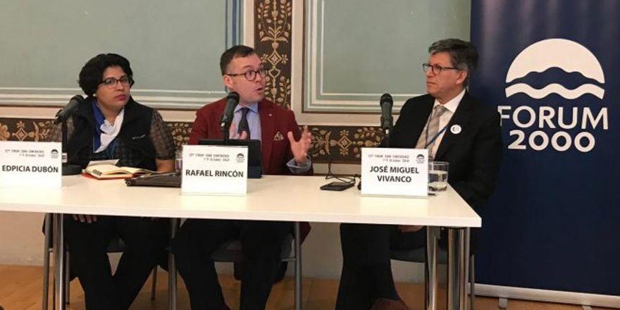 De izquierda: Edipcia Dubón, Rafael Rincón y José Miguel Vivanco, foto: archivo de FPP