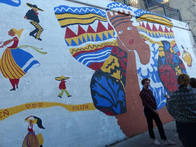 Martin Kelbl devant une peinture murale de la 'Pilsenita', photo: Klára Stejskalová
