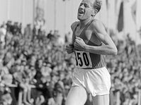 Emil Zátopek, photo: Roger Rössing, Deutsche Fotothek, CC BY-SA 3.0 DE