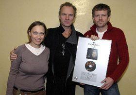 Sting en Praga (en medio), foto: CTK