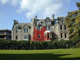 St Andrews University, photo: Jjhake, CC BY-SA 3.0