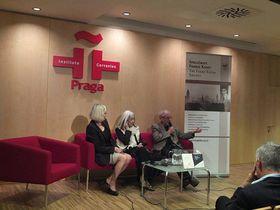 María Kodama en la Bienal Kafka-Borges, foto: Facebook de Instituto Cervantes