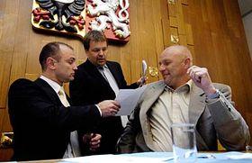 Ivan Langer, Petr Tluchor y Tomás Julínek (Foto: CTK)