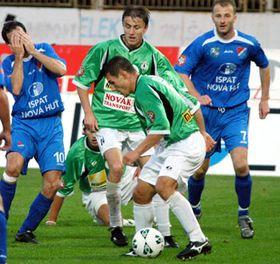 El equipo Baník de Ostrava contra el FK Jablonec, foto: CTK