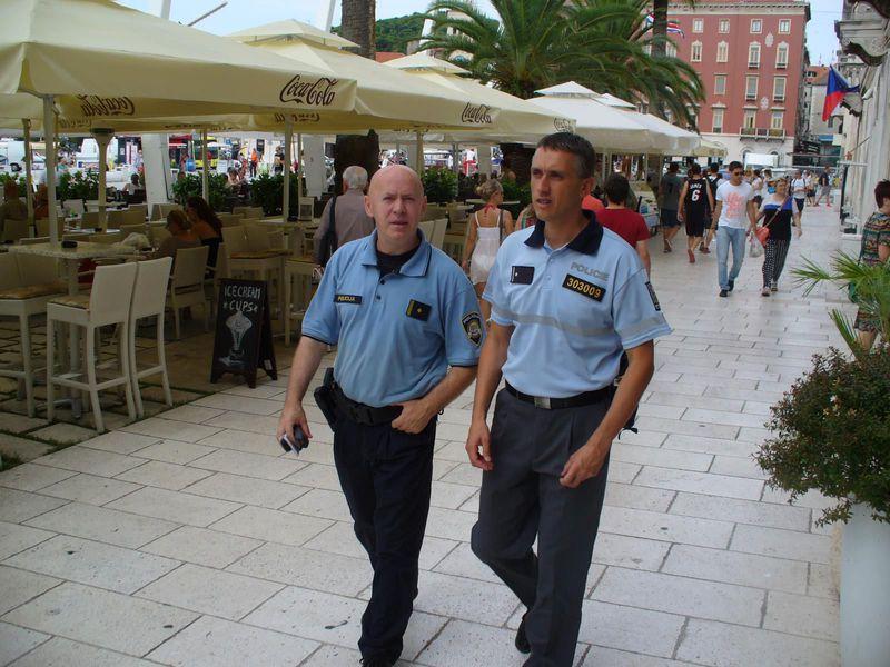 Tschechischer Polizist in Kroatien (rechts). Foto: Archiv der tschechischen Polizei
