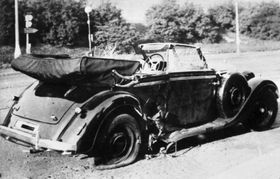 Heydrich's car after the assassination, photo: Bundesarchiv, Bild 146-1972-039-44 / CC-BY-SA / Wikimedia Commons 3.0