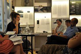 Teresa Präauer (links). Foto: Anna Koutská, Archiv des Prager Literaturhauses