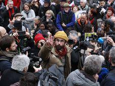 'Libre', photo: Jour2fête