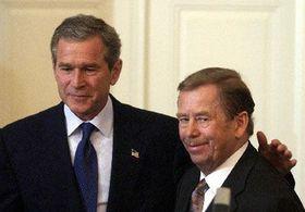 George Bush y Václav Havel, foto: CTK