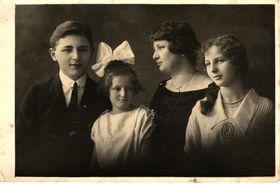 Fotografía de la Familia de Sojka, foto: archivo de Trudi Sojka