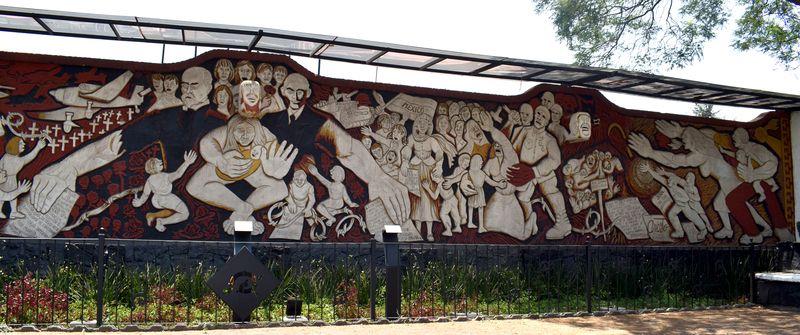 Mural Campos de luz y muerte, foto: archivo Edna Gómez Ruiz