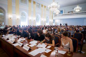 Jury (Foto: Vladimír Šimíček, Archiv des Wettbewerbes Jugend debattiert)