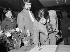 Michal Prokop signing the 'anti-Charter', photo: CTK