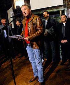 Premiér Mirek Topolánek po zasedání grémia ODS dne 26.10., foto: ČTK