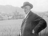 Alois Jirásek v Hronově roku 1918, foto: ČTK