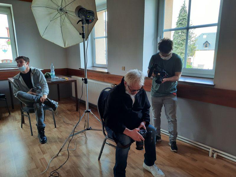Robert Vano prepara la exhibición en el marco del Día Mundial de Corazón, foto: Ivana Bernáthová
