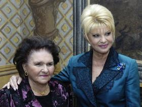 Ivana Trump with her mother, photo: CTK