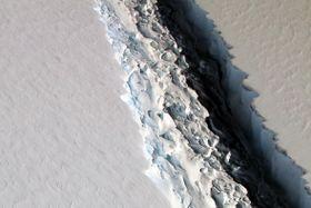 Ледниковая трещина, фото: Архив Национального управления океанических и атмосферных исследований