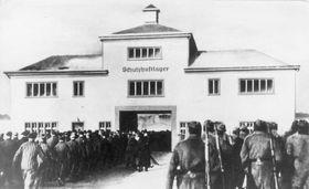 KZ Sachsenhausen (Foto: Bundesarchiv, Bild 183-78612-0002 / Unknown/ CC-BY-SA 3.0)
