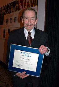 Vaclav Havel with an OBIE, photo: CTK