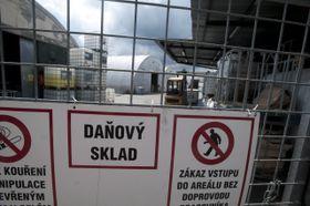 Uno de los depósitos con alcohol ilegal, foto: ČTK
