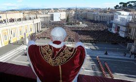 Papež Benedikt XVI. během letošního Urbi et orbi, foto: ČTK