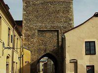Brána Matky Boží, foto: Chmee2, CC BY-SA 3.0 Unported