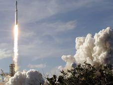 Start rakety Falcon Heavy, foto: ČTK