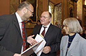 Zleva ředitel Národní knihovny Vlastimil Ježek, ministr kultury Vítězslav Jandák asenátorka Jaroslava Moserová, foto: ČTK