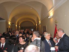 Los cancilleres inauguraron la exposición de documentos diplomáticos en la Biblioteca Nacional de Praga