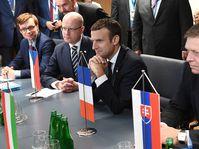 Emmanuel Macron mit den V4-Chefs (Foto: ČTK)