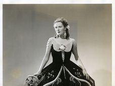 Jarmila Novotná dans le rôle de Violetta dans La Traviata, photo: Wide World Studio