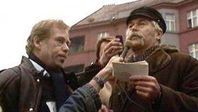 будущий президент Вацлав Гавел, 1988, фото: ЧТ24