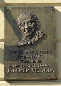Memorial plaque in Zbraslav, photo: archive of Radio Prague