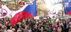 17 ноябрь 2015 г., демонстрация «Блока против ислама» и в поддержку президента Милоша Земана в центре Праги, Фото: ЧТ24