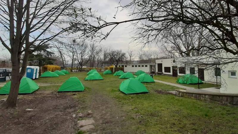 Le camping situé sur l'île de Císařská louka, photo: L'ONG Naděje
